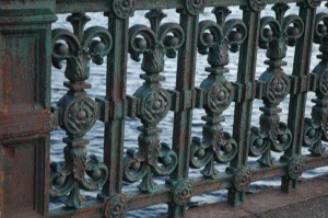 Puente y imagen de kontARTE